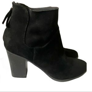Brash black ankle bootie with back zippers EUC 9